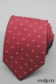 Rote Krawatte mit kleinen Quadraten