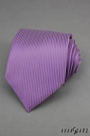 Violette Krawatte mit vertikalen Streifen