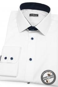 Weißes Herrenhemd mit blauen Accessoires