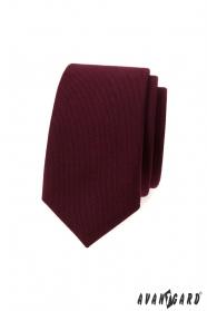 Schlanke Krawatte in weinrot